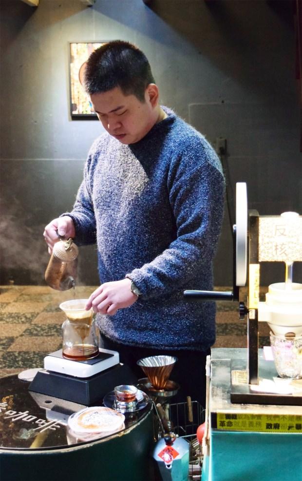 台中忠信市場奉咖啡  傳統市場啜飲咖啡享質樸人情味