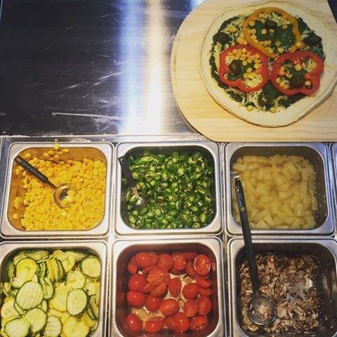 自己披薩自己拚!Plus Pizza公館商圈新登場