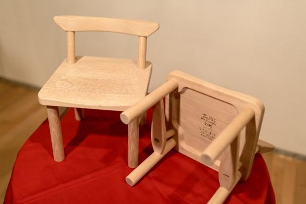 一張北海道木椅的祝福