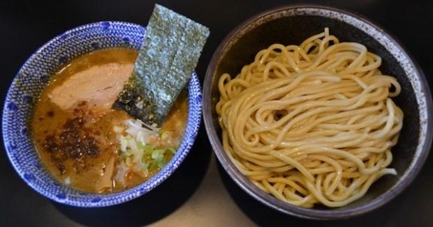 境內第一名!跟著RamenDB美食榜找到「日本一番」拉麵店