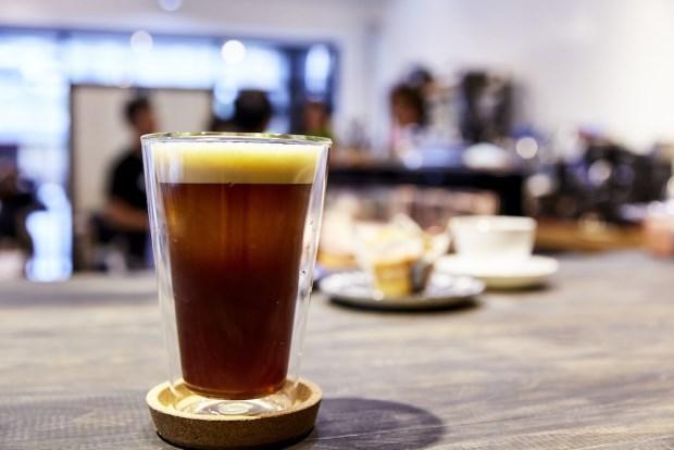 【艾奇諾珈琲工坊 Caffe Artigiano】 讓咖啡教室走進人群