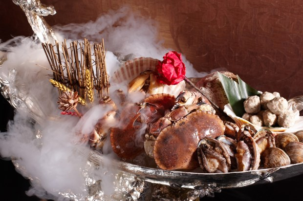 遇東方【金豬報喜】喜迎旺福宴與您歲末慶豐收