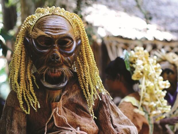 瑪美里族祖靈節木雕大師