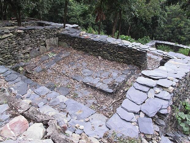 魯凱族的石板屋